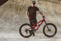 Commencal's New 2017 Absolut SX Kyle Strait Edition