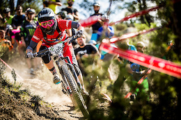 Juliana-SRAM Pro Team 2015 Recap - Video