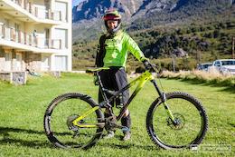 EWS Bike Check: Cecile Ravanel's Commencal Meta AM V4