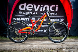 Stevie Smith's Devinci Wilson - Lourdes DH World Cup 2016