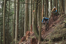 Chasing Trail: Vedder Sucks, Tell Your Friends - Video