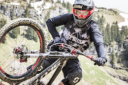 Reverse Components Launch 'Vink' Signature Series - Video and Interview