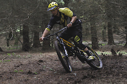 Flat Out with Elliott Heap - Video