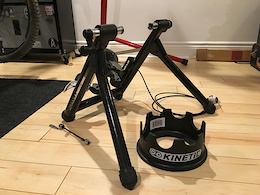 0 Minoura RDA2429R Magnetic Trainer