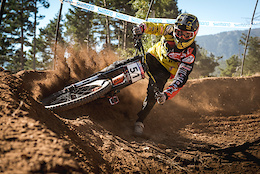 UR Team at Vallnord World Cup DH 2016 - Video