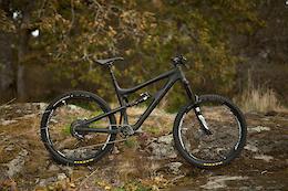 2015 XL Black Santa Cruz Nomad w/ SRAM/Rockshox Build