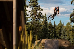 2016 Vibes: At Home with Simon Karrer - Video