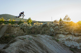 Soren Farenholtz, Fall in Kamloops - Video