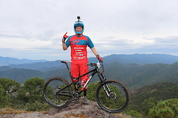 Kyle Warner: Racing y Raicilla en Mexico - Video