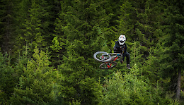 Loose Riders Team Shred the Hafjell Bikepark - Video