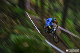 Australian National Downhill Series: Awaba - Round 1