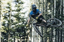 The Carbon Snabb Ridden in Three Different Ways - Video