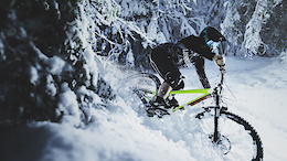 80 Seconds of Insanely Fast Snow Riding with Shaperideshoot - Video