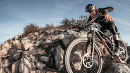 Aaron Gwin Meets the YT Jeffsy 27 - Video