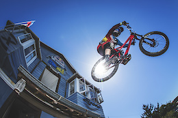 360º Downhill POV - The Red Bull Valparaíso from Any Angle You Want