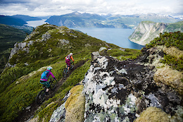 Chasing Trail Episode 11, Shooting Norwegian Fjords - Video