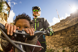 Trippin: Nepalese Pass Stormin' - Video