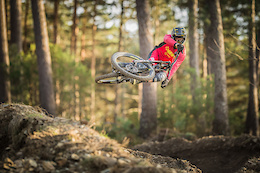 Commencal Vallnord DH Racing Team 2017