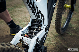 Canyon Factory Downhill Team Bike Checks