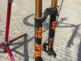Fox's 29'' DH Fork... and Mondraker's 29er DH Bike?