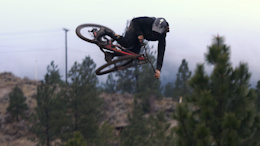 Matt Miles - Raw 100 - Video