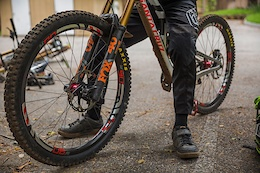 It's Alive: Santa Cruz Reveals the V10 29er