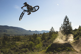 Reece Wallace: Yeah Loops – Video