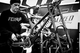 Loic  Bruni's New Demo 29er