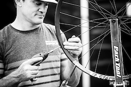 Do You Know How to Build a Wheel? - Pinkbike Poll