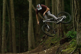 Logan Peat: Dirt Waves - Video