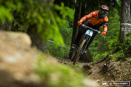 Schladming Bound: IXS European Downhill Cup 3, Track Walk and Practice - Photo Epic and Video