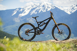 Pivot Phoenix DH Carbon - Review