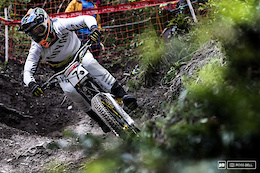 Video Round Up: Steep and Wild Racing from Vallnord DH World Cups