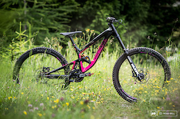 Tracey Hannah's Polygon Collosus DH9 - Bike Check