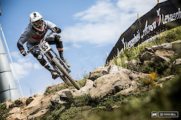 Stand Tall: Lenzerheide DH World Cup - Qualification Photo Epic