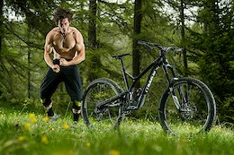 Commencal Supreme SX - 180mm All-Mountain Bike With HPP Suspension System
