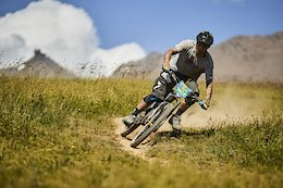 Mega Train at Alp D'Huez with Sam Hill