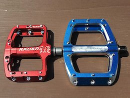 Pedals for Groms: Spank Spoon 90 vs. Chromag Radar - Review