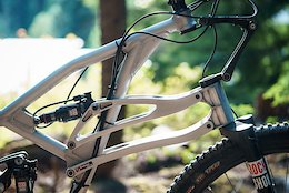Is This Linkage Fork the Future of Suspension? - Crankworx Whistler 2017