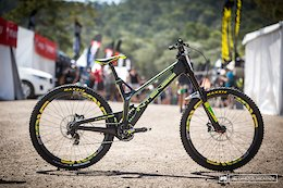 Jack Moir's Intense M29 Carbon Prototype - Cairns DH World Champs 2017