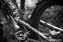 Muddy Waters: iXS European Downhill Cup 5, Leogang - Seeding Photo Epic and Video