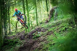 The Ultimate Gym: Training in Les Vosges with Rémy Absalon and Elliot Trabac - Video