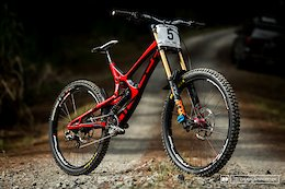 Bike Check: Cole Lucas and Sam Robbie's Intense M16 Bikes - New Zealand National DH Series