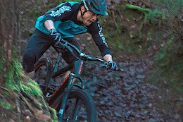 Super Stylish UK Rider Olly Wilkins Finds 10 Seconds of Fun - Video