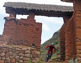 Timeless Peru the living museum shows itself well on the Huchuy Qosqo ride. Not only do you get the massive elevation loss typical of Sacred Valley rides you literally descend not just through bio-geo-climatic zones but also through history as the building styles and architecture morph and meld.