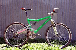 Staff Rides: RC's Time Machine - 1996 Mantis Pro Floater