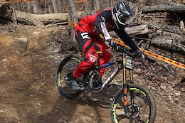 Logan Binggeli and Nik Nestoroff Rip the Pro GRT Track at Windrock - Video