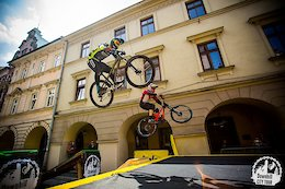 Urban Downhill Race Series with Head-To-Head Action