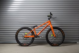 Santa Cruz Bicycles Builds Custom Trials Bike For Danny MacAskill In-House - Video Bike Check