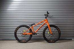 Santa Cruz Bicycles Builds Custom Trials Bike For Danny MacAskill In-House - Video Bike Check
